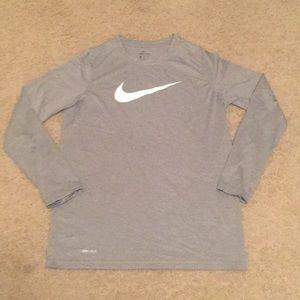 Boys Nike Drifit long sleeve tee. EUC. XL. Grey